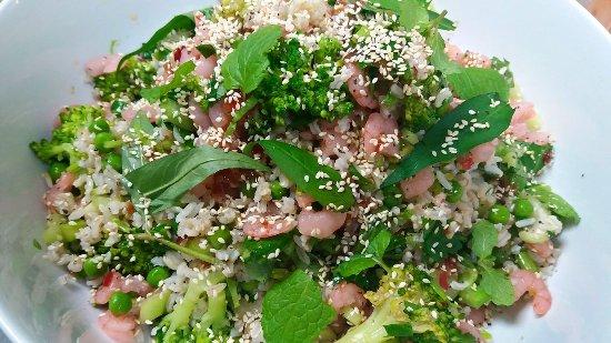 Henderson, New Zealand: Green, fresh and healthy salad