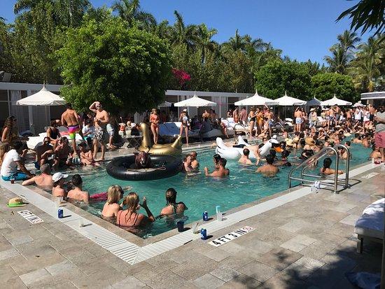 Nautilus A Sixty Hotel Saay Pool