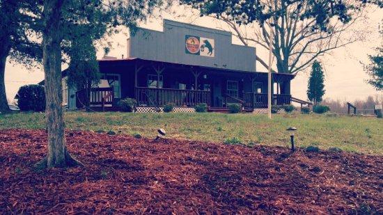 Eddyville, Кентукки: Moonshine Beer & BBQ