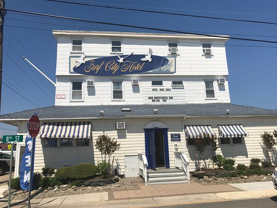 Surf City Hotel: Hotel Front Entrance