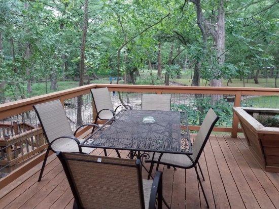 Wimberley, TX: Fenced outdoor deck overlooking the creek