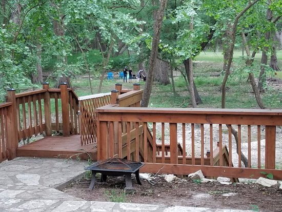Wimberley, Τέξας: Stairs down to creek
