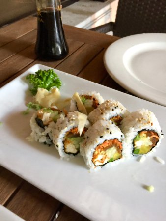 Sumo Sushi Bar & Grill : Vegan sushi - beautiful!