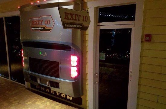 Seffner, FL: Exit 10 Restaurant & Pub