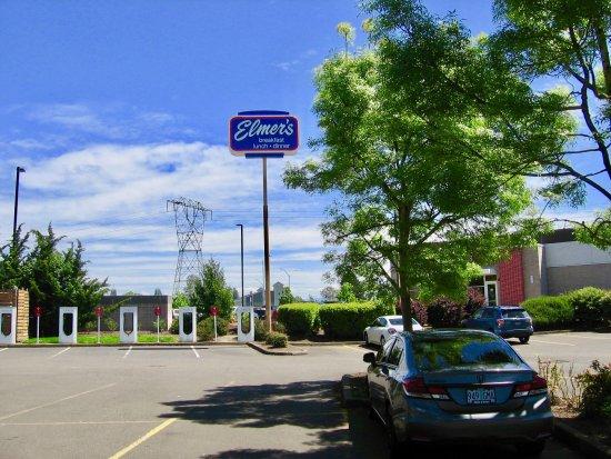 Woodburn, OR: Sign
