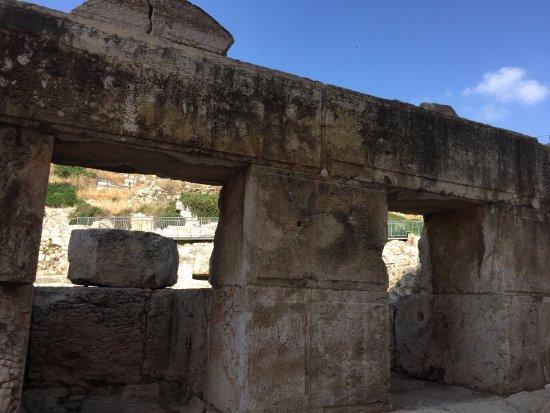 Ophel Archaeological Garden (Yitzhak Ben Youssef Levy Garden): Ophel Archaeological Garden - ruins