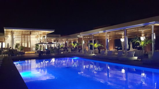 Grand Luxxe Nuevo Vallarta: View from the pool at Quinto, steak house