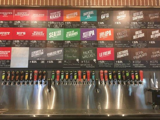 Green Flash Brewing Company Variada Gama De Cerveza A La Carta