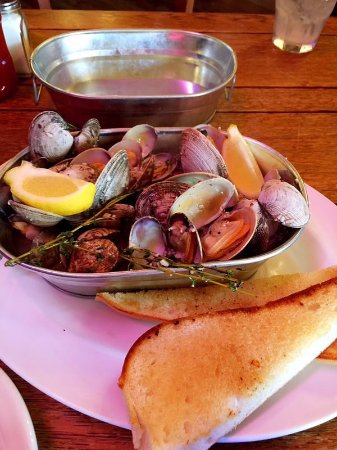 Snohomish, WA: Clams appetizer