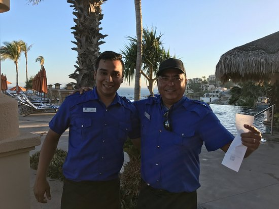 Welk Resorts Sirena Del Mar: Carlos and Jesse were the waiters in the pool area and they provided us excellent service every