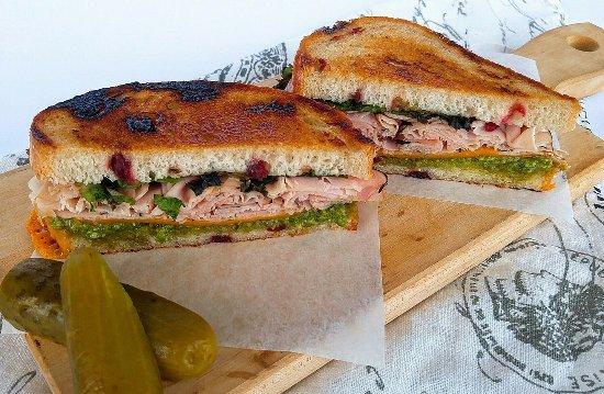 Abbotsford, Canada: Ham on cranberry bread