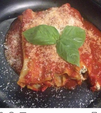 Toukley, Australia: Spinach and Ricotta Cannelloni with Napoletana sauce ... mmmmmm