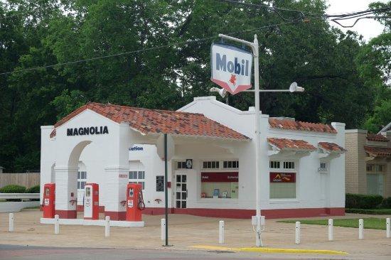 Little Rock Central High School: Fuel station across the school