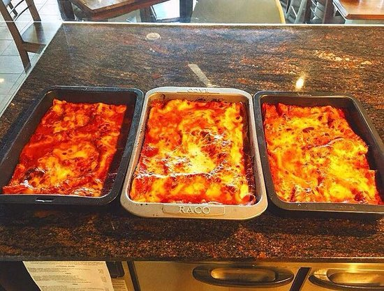 Toukley, Αυστραλία: Freshly made traditional Lasagna using Nonna's recipe - ready for tonight.
