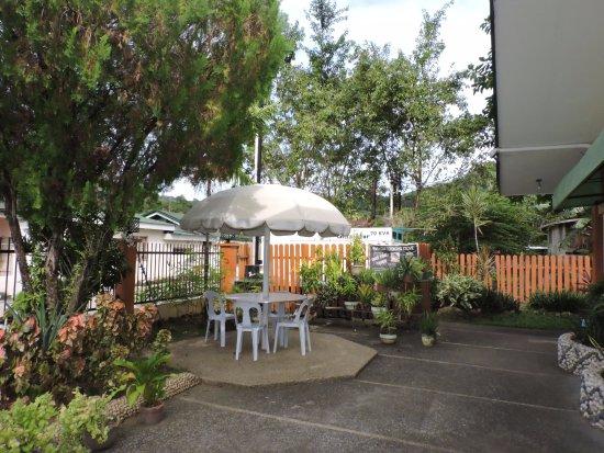 Jagna, Filippinene: Outside dining
