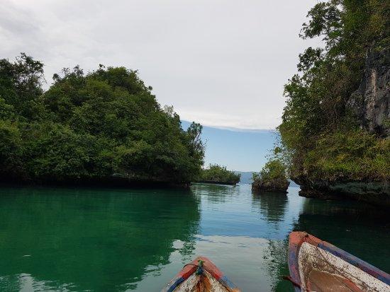 Raha, Indonesien: Napabale meer