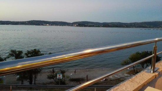Kanegra, Croatia: Locale diurno/pomeridiano / morning/evening restaurant