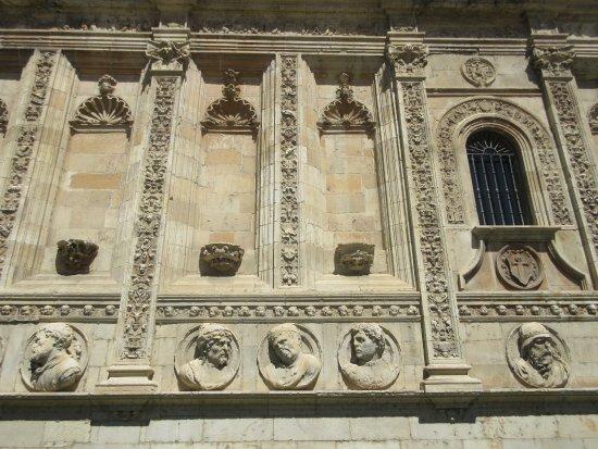 Antiguo Convento de San Marcos: main facade - 2