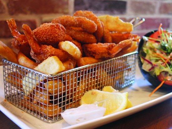 Nerang, Australia: Gallipolis' Seafood Basket for 1
