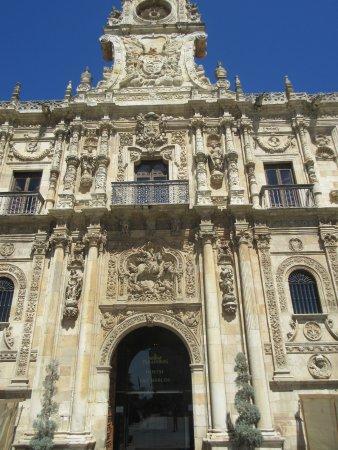 Antiguo Convento de San Marcos: main facade - 3