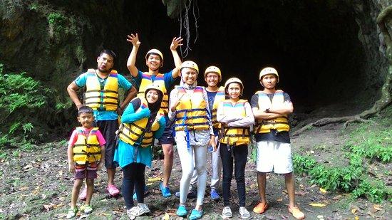 Западная Ява, Индонезия: sebelum mulai rafting