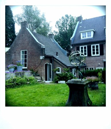 Beek-Ubbergen, Нидерланды: Achterkant vanuit de tuin