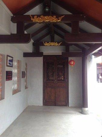 Maret, Thailand: ภายในศาลฯ