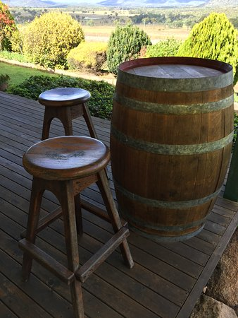 Ballandean, Avustralya: Wine barrel to put the cheese, wine and biscuits on