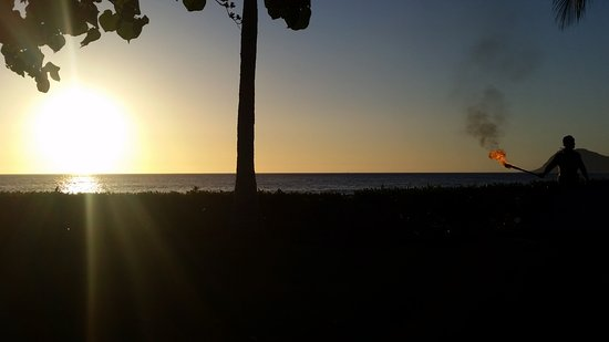 Paradise Cove Luau: sunset - sensational