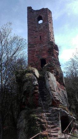 Niedersteinbach, France : Untere Burg der Wasigenstein