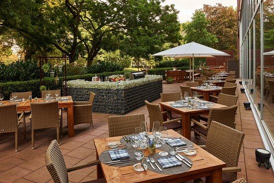 Pacific Colors Restaurant: terrace