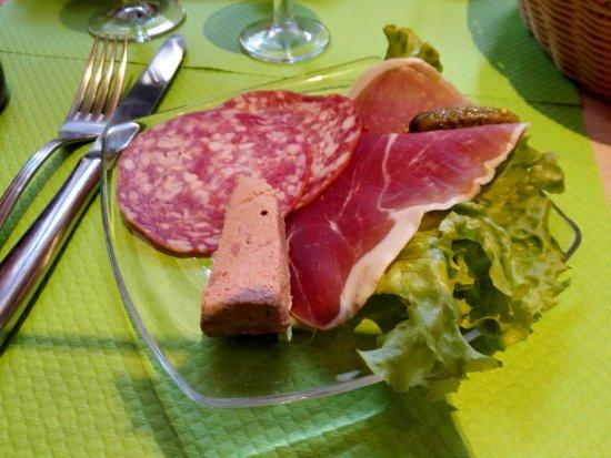 Lapalisse, ฝรั่งเศส: le plat de charcuterie