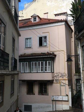 Lisbon Story Guesthouse: Dat kleine kamertje helenaal boven