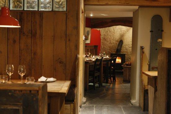 Newport -Trefdraeth, UK: Cellar Bar