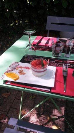 Meylan, France: Dessert en terrasse
