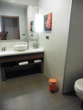 Uberlegen Hilton Garden Inn Sevilla: Modernes Bad