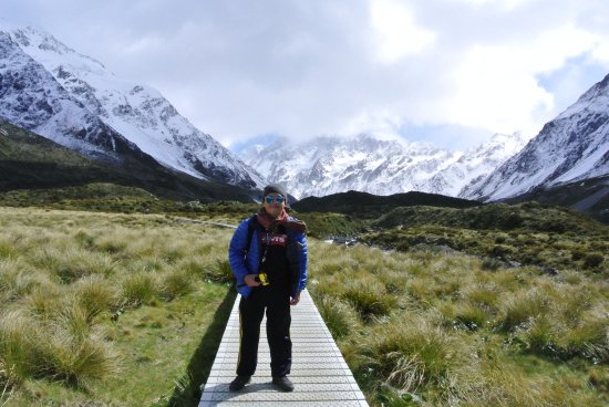 Aoraki Mount Cook National Park (Te Wahipounamu), New Zealand: Windy location, so do have a windbreaker at least
