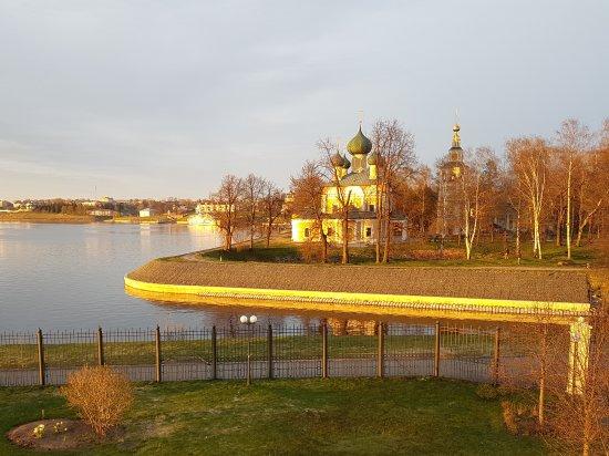 Volgskaya Riviera: the view from the balcony