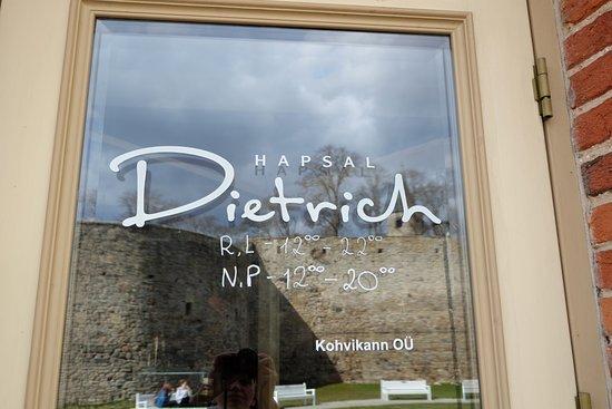 Haapsalu, Estonia: Так выглядит вход в кафе