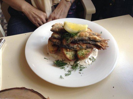 Haapsalu, Estonia: Невероятное вкусно приготовленная салака
