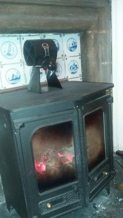 Newtonmore, UK: Fireplace