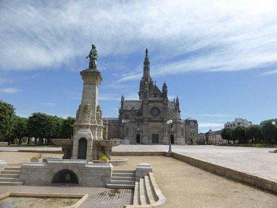 Sainte-Anne-d'Auray, Francia: Ker Anna