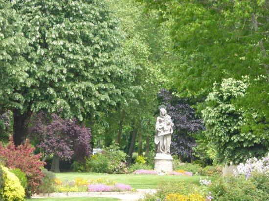 Sainte-Anne-d'Auray, Francia: le parc du sanctuaire