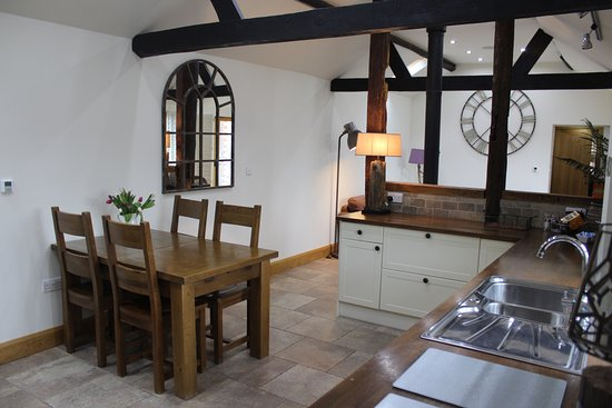 West Marden Farm Bed & Breakfast and Holiday Cottages: Keepers Cottage