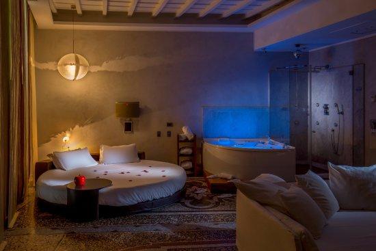 Residenze SuiteSistina for Lovers: Presidential Suite - Luna nel pozzo