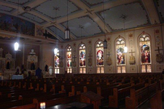 Int rieur de l 39 glise picture of gesu catholic church for Interieur eglise