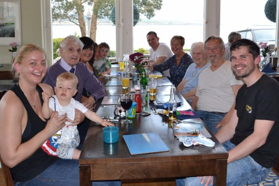 Ardrishaig, UK: Dinner for 9 adults and 2 children enjoyed by all.