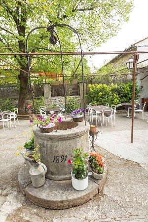 Basovizza, Itália: il nostro giardino