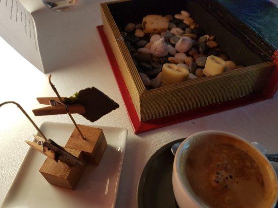 Tramacastilla, Испания: Café y acompañamiento