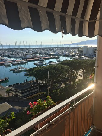 Hotel Ancora Riviera: View from room (4th floor)